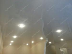 Как выбрать точечные светильники для натяжных потолков?