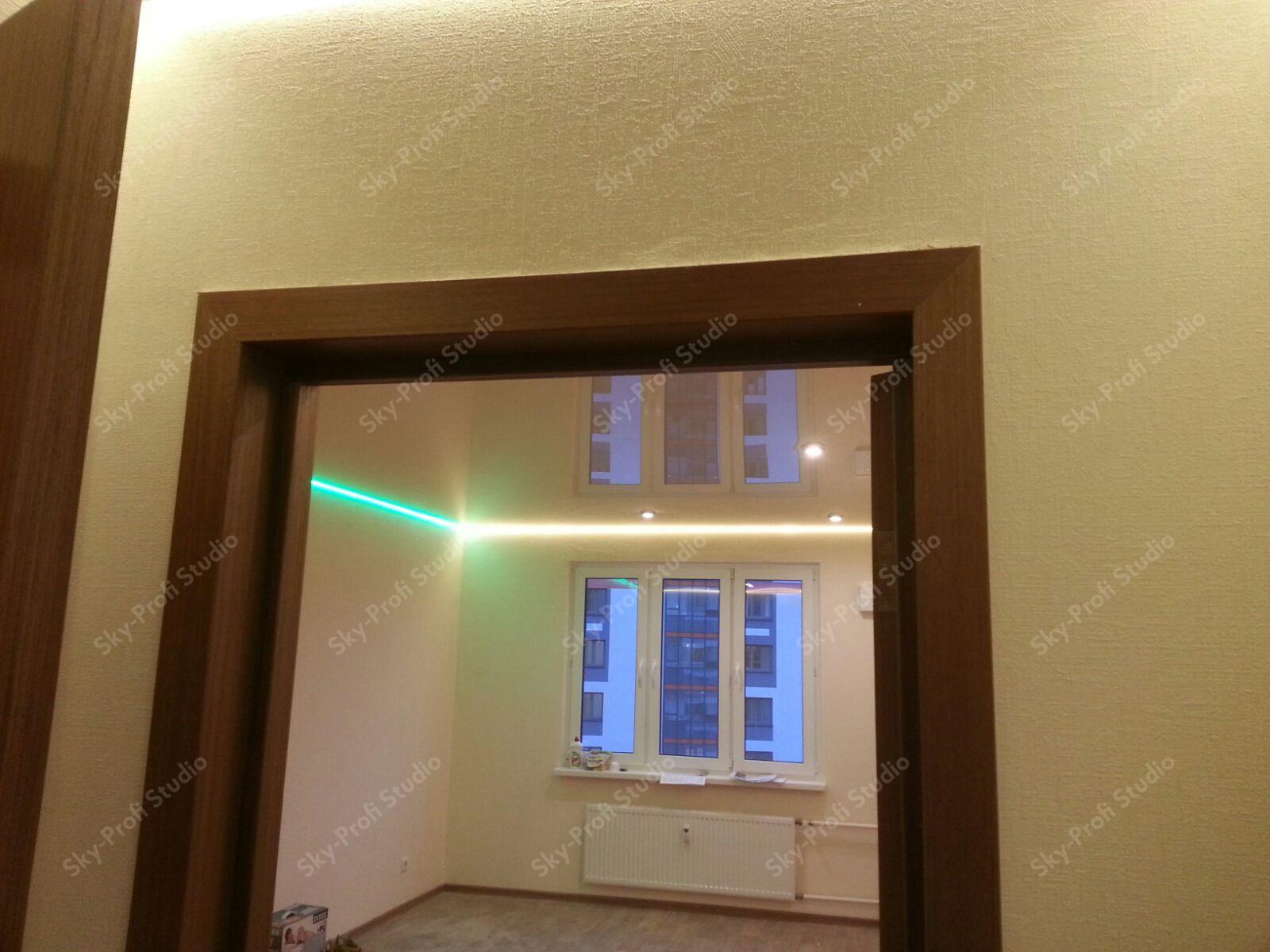 потолок на кухне с подсветкой по периметру
