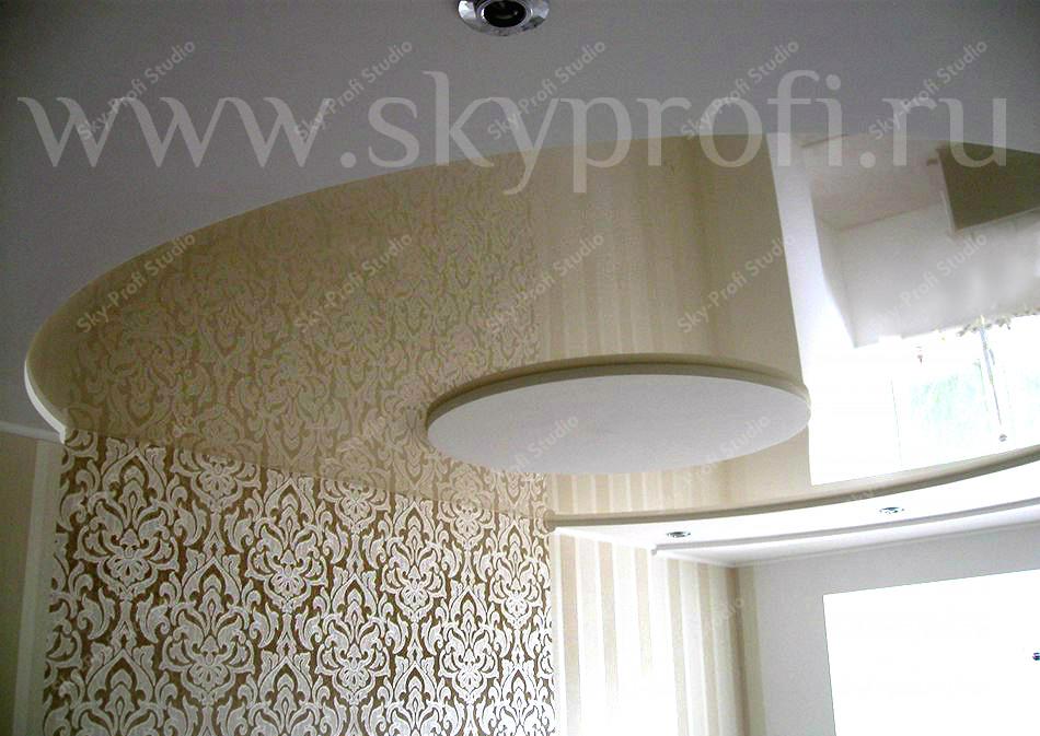 двухуровневый потолок в зоне кухни